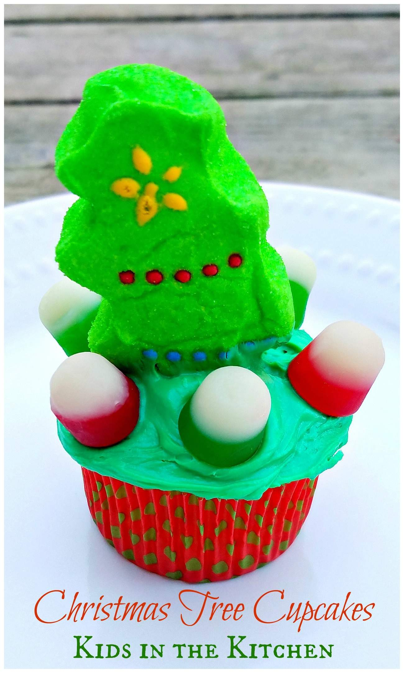 Kids in the Kitchen: Fast & Easy Christmas Tree Cupcakes – Only ...